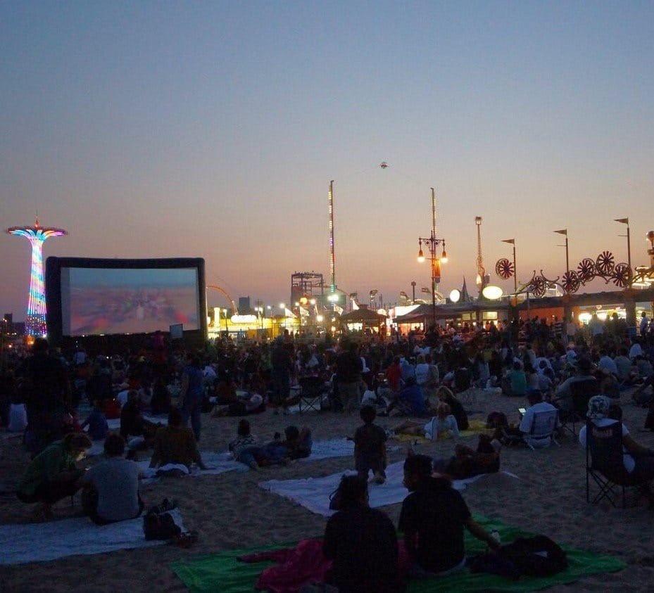 Coney Island Beach: Luna Park Coney Island
