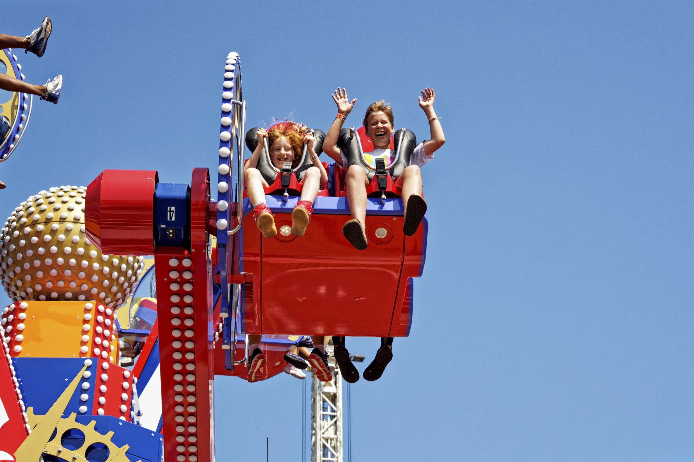 The Zamperla Family Donates 10,000 Wristbands and Rides on the Coney Island Cyclone!
